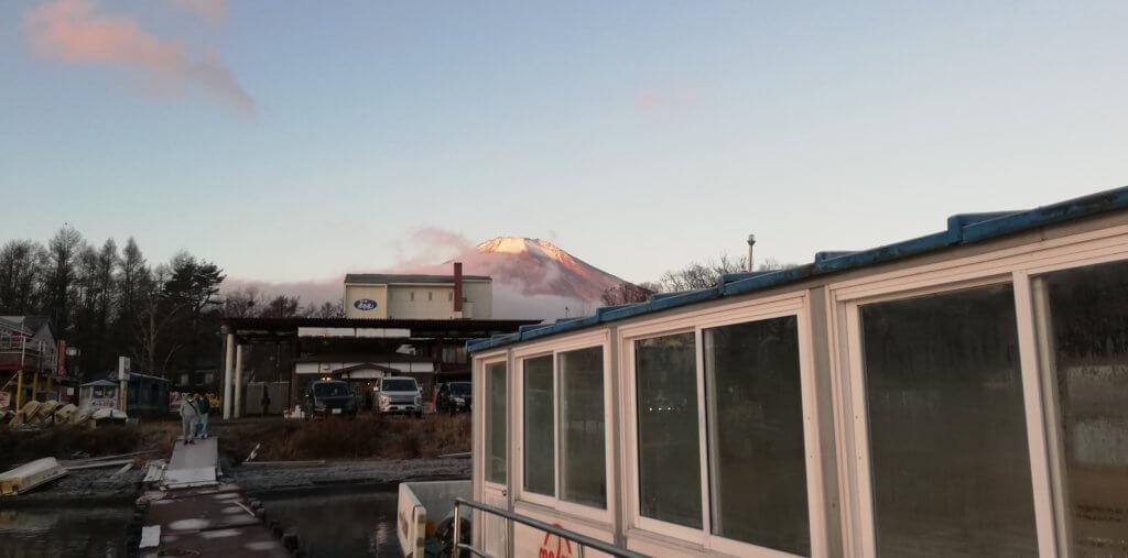 桟橋から見える富士山