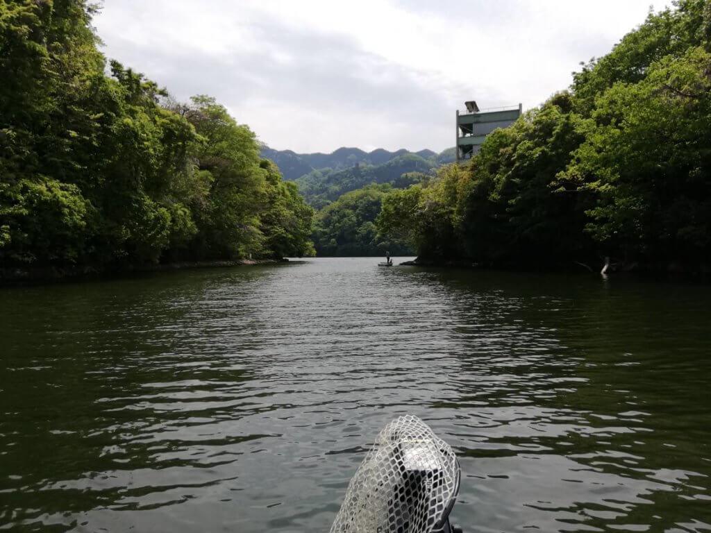 本湖の水中島を抜けてネン坂ワンドへ